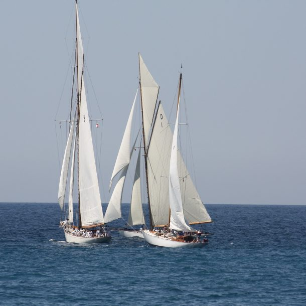 Voilier en mer Méditerranée à Marseille
